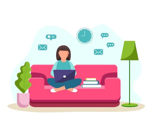 Ilustração de uma garota sentada no sofá com um laptop e estudando em casa. aluna