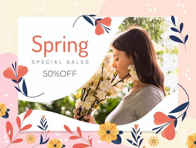 Ilustração de venda plana de primavera com mulher