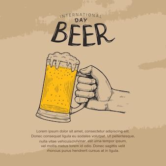 Ilustração do dia internacional da cerveja com uma mão segurando uma caneca de cerveja