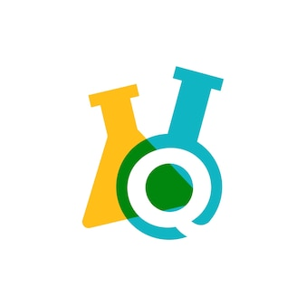 Ilustração do ícone do vetor do logotipo do copo de vidro de laboratório letra q