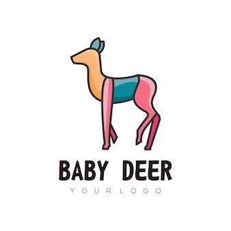 Ilustração do logotipo bebê cervo colorido estilo