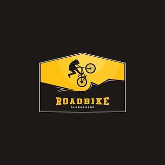 Ilustração do logotipo da mountain bike, silhueta da bicicleta