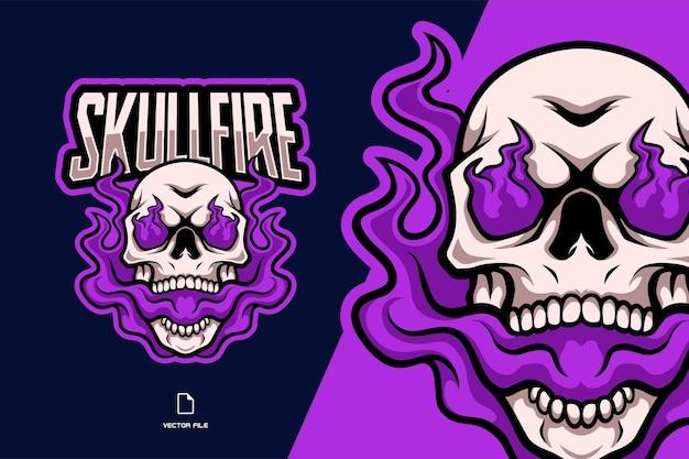 Ilustração do logotipo do mascote de caveira com chamas roxas