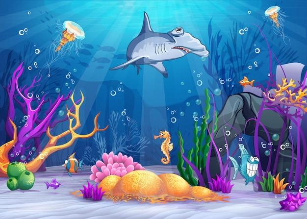 Ilustração do mundo subaquático com um peixe engraçado e um tubarão-martelo