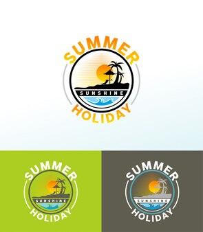 Ilustração do tempo de verão com praia, palma e luz do sol.