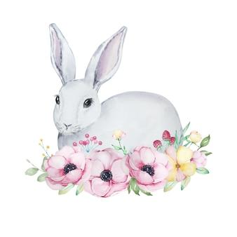 Ilustração em aquarela de um lindo coelhinho da páscoa cinza e branco com um buquê de flores de anêmonas