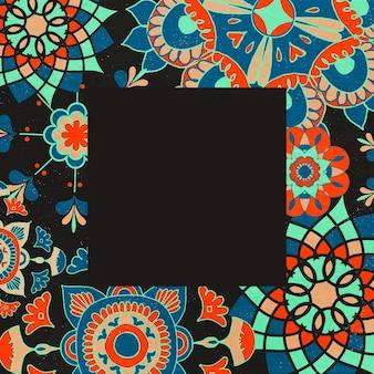 Ilustração em moldura étnica com padrão floral, remixada de obras de arte de domínio público