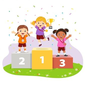 Ilustração em vetor de três meninas com medalhas em pé no pedestal de vencedores do esporte e segurando um troféu.
