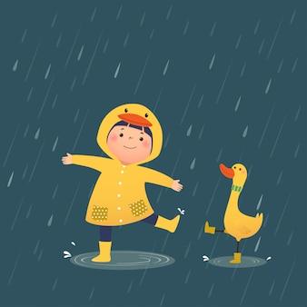 Ilustração em vetor de uma menina feliz com capa de chuva amarela de pato com capuz e botas de borracha brincando com o pato em um dia chuvoso