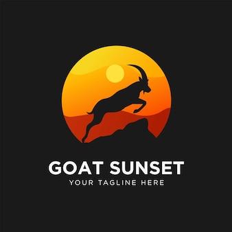 Ilustração em vetor design de logotipo do pôr do sol de cabra