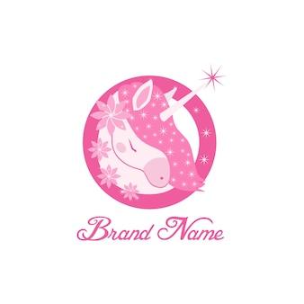 Ilustração em vetor unicorn pink head