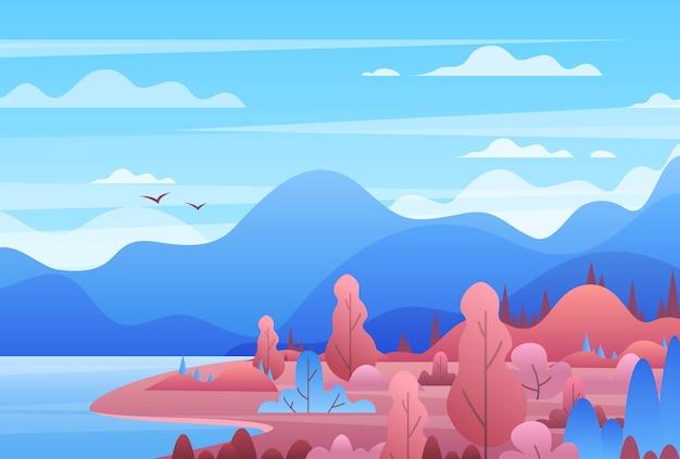 Ilustração plana de paisagem de montanha. montanhas pitorescas, rio e árvores à noite. cenário do horizonte de colinas, horizonte de montanhas, pássaros voando sobre o lago. montanhismo e viagens