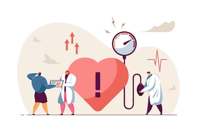 Ilustração plana de pequenos médicos tratando doenças cardíacas