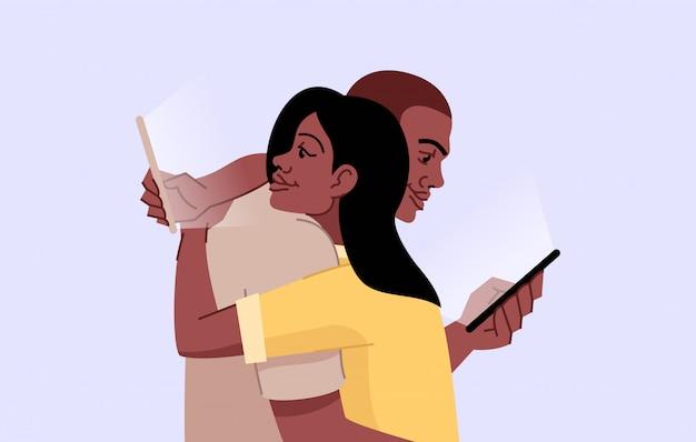 Ilustração plana de vício de smartphone. dependência de gadgets. falta de interação pessoal. casal abraçando e rolando celulares isolaram personagens de desenhos animados sobre fundo azul