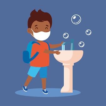 Impeça a covid 19, usando máscara médica, lave as mãos, menino afro usando máscara protetora