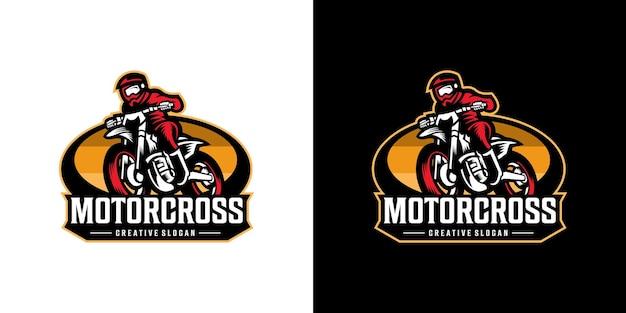 Impressionante logotipo de aventura de moto esportiva de motocross