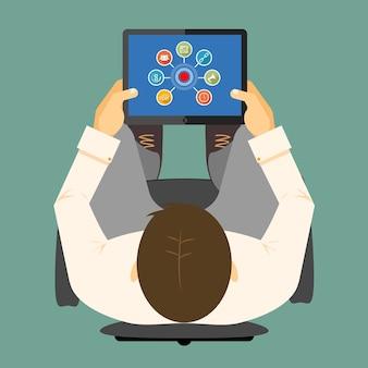 Infográficos de seo em um computador tablet com um gráfico vinculado ao redor de um hub visível na tela de um dispositivo portátil nas mãos de um homem visto de uma ilustração vetorial aérea