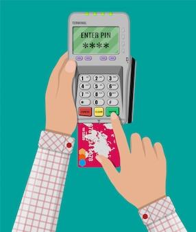 Insere o código pin para o cartão no terminal pos