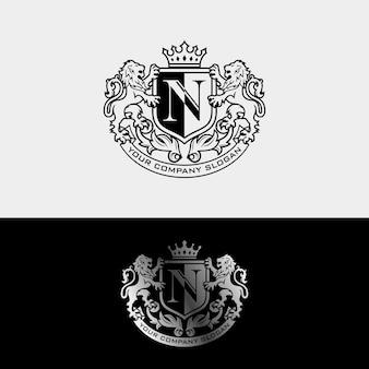 Inspiração de design de logotipo de luxo royal lion king