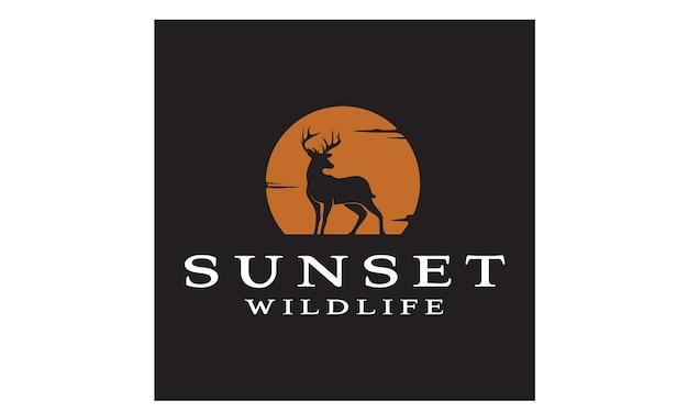 Inspiração de design de logotipo de veado por do sol