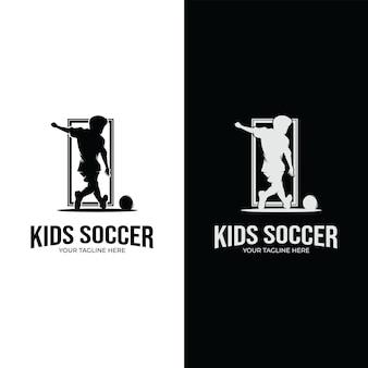 Inspiração para design de logotipo de futebol infantil