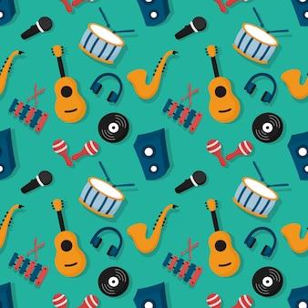Instrumentos musicais de padrão sem emenda isolados em fundo azul.