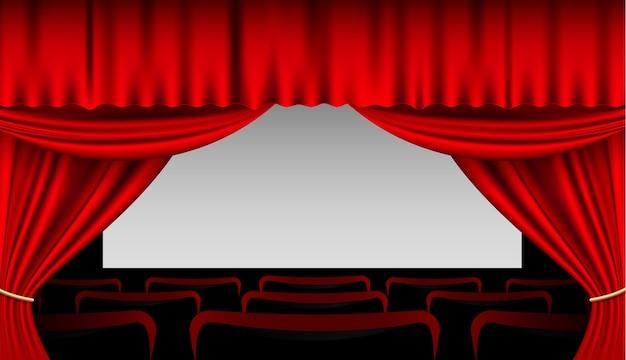 Interior com cortinas vermelhas e assentos