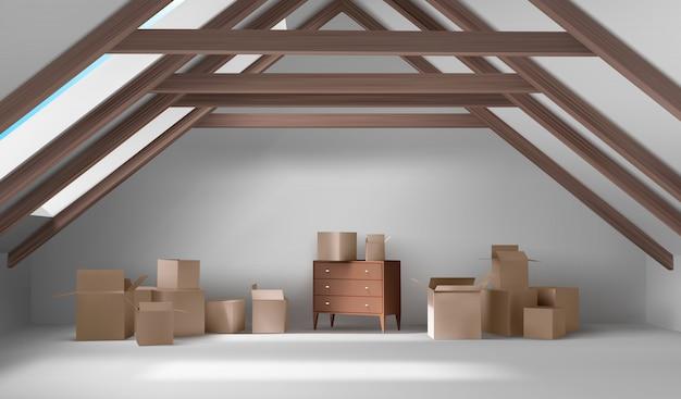 Interior do sótão da casa, sala de mansarda com caixas