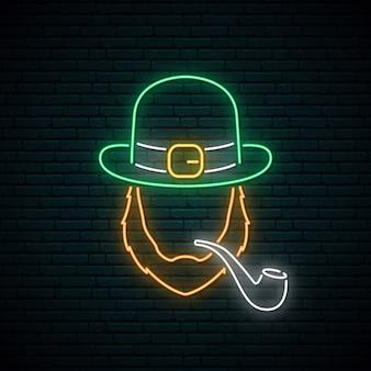 Irlandês com sinal de néon de tubulação de fumo.