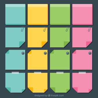 Jogo das notas de papel coloridos com desenhos diferentes