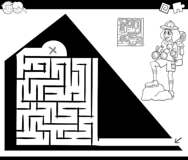 Jogo de atividade de labirinto com viajante e pirâmide