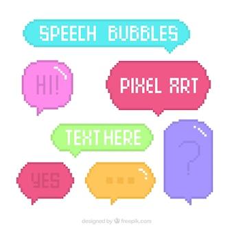 Jogo de balões de fala pixelated coloridas