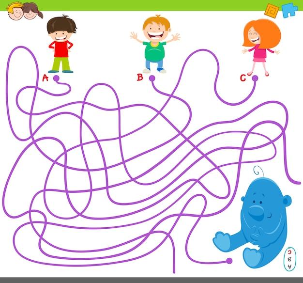 Jogo de labirinto com crianças e brinquedos de pelúcia