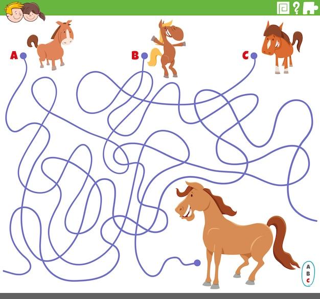 Jogo de labirinto educacional com potros de desenhos animados e égua