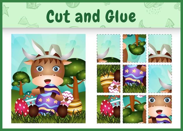 Jogo de tabuleiro infantil recortado e colado com tema de páscoa com um búfalo fofo usando tiaras com orelhas de coelho abraçando ovos