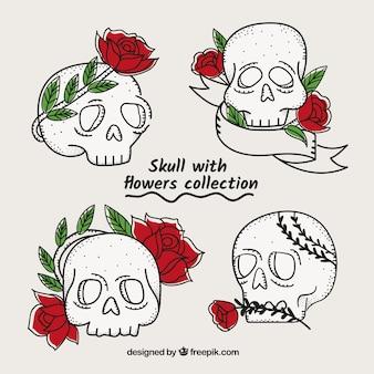 Jogo dos crânios com rosas e folhas desenhadas mão