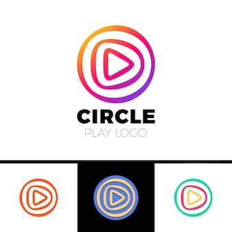 Jogue filme - ilustração do conceito de modelo de logotipo vetorial. aplicação de ícone de música ou jogador de filme. sinal multimídia. símbolo de tv digital. audio insinia. forma triangular triangular.
