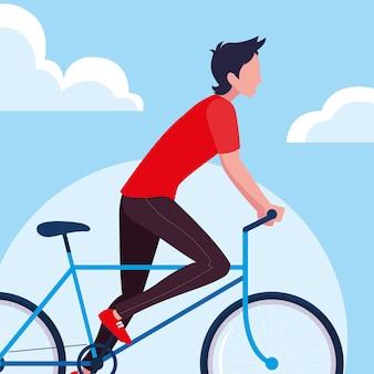 Jovem, andar de bicicleta com céu e nuvens
