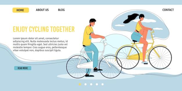 Jovem casal apaixonado gosta de andar de bicicleta juntos ao ar livre.