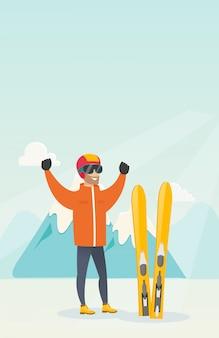 Jovem, caucasiano, esquiador, ficar, com, levantado, mãos