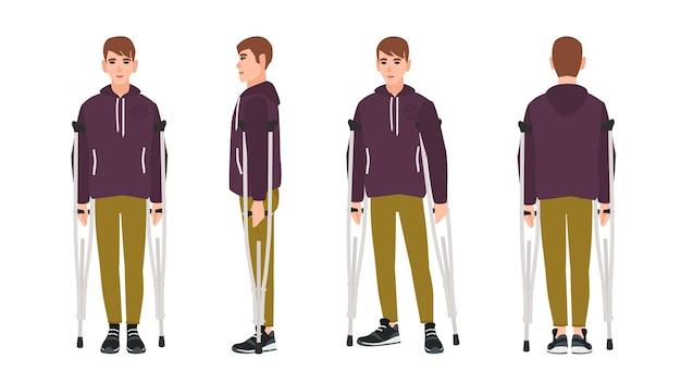 Jovem feliz em pé ou andando com muletas