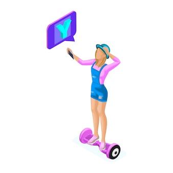 Jovem isométrica grava vídeo e se comunica nas redes sociais no tablet, mantém seu blog. adolescentes e gadgets