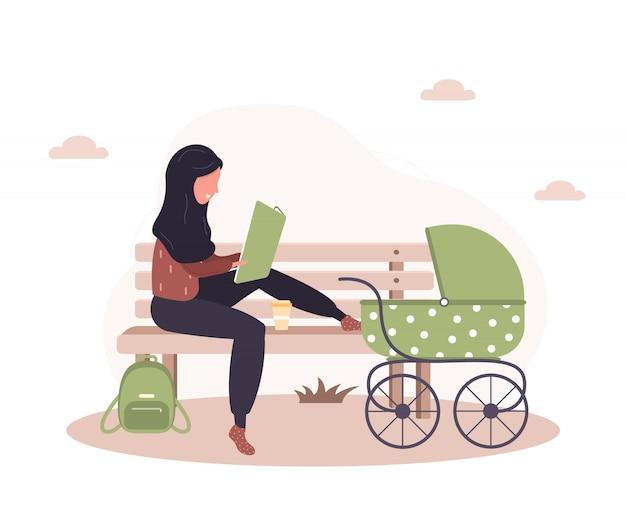 Jovem mulher árabe caminhando com seu filho recém-nascido em um carrinho de bebê verde. menina sentada com um carrinho e um bebê no parque ao ar livre. ilustrações em estilo simples.
