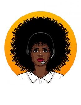 Jovem mulher atraente, trabalhando como operador em call center. retrato, de, um, menina americana africana, com, cabelo encaracolado, desgastar auscultadores