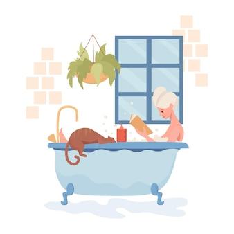 Jovem mulher feliz tomando banho e lendo livro