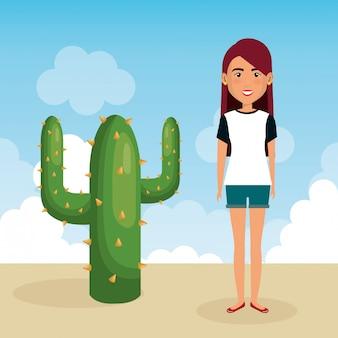 Jovem mulher na cena do personagem no deserto