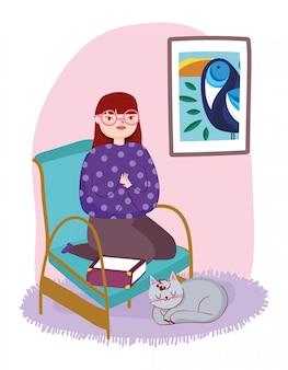 Jovem mulher sentada na cadeira livro gato e parede, dia do livro