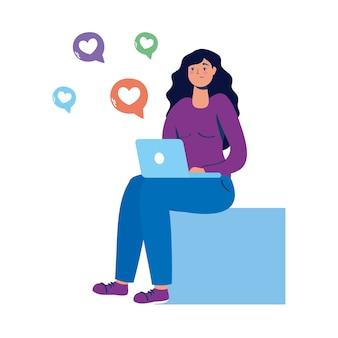 Jovem sentada usando laptop com ícones de mídia social.