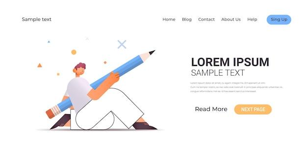 Jovem trabalhador de escritório ou freelancer usando caneta conceito de gerenciamento de tempo ilustração horizontal de comprimento total