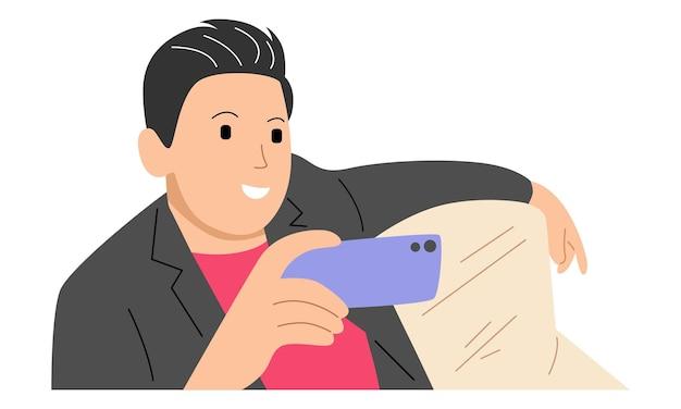 Jovem usando smartphone, olhando para a tela, jogando ou assistindo mídia sentado no sofá
